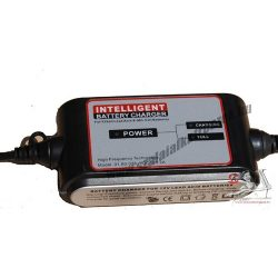Carstel 12V 2A automata akkumulátor töltő T01.80.028